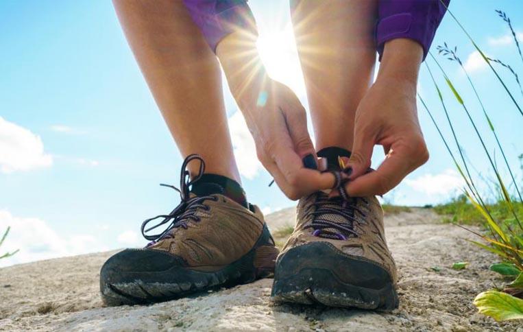 کفش کوهنوردی در مسیر